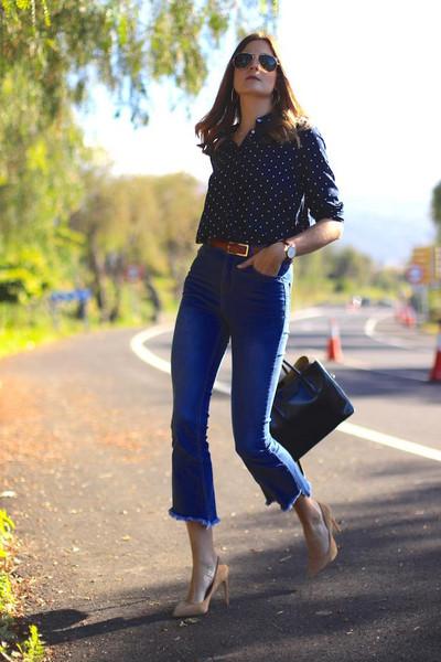 marilyn'scloset blogger jeans belt shirt shoes bag jewels blue shirt pumps high heel pumps spring outfits