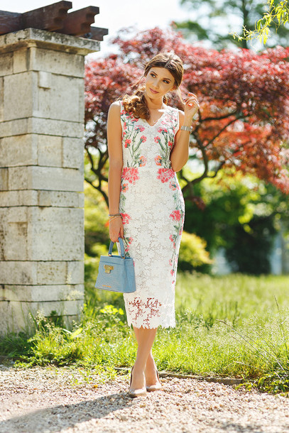 the mysterious girl blogger dress bag jewels