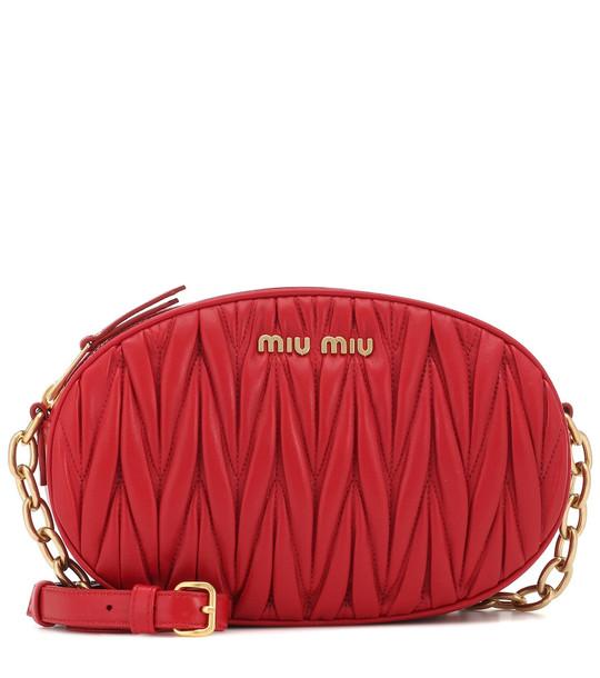 Miu Miu Matelassé leather shoulder bag in red