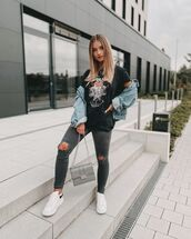 jeans,ripped jeans,skinny jeans,white sneakers,denim jacket,black t-shirt