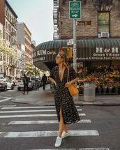 dress,midi dress,v neck dress,black dress,floral dress,short sleeve dress,white sneakers,shoulder bag