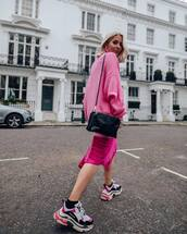 sweater,turtleneck sweater,pink sweater,oversized turtleneck sweater,sneakers,midi skirt,asymmetrical skirt,pink skirt,black bag,crossbody bag