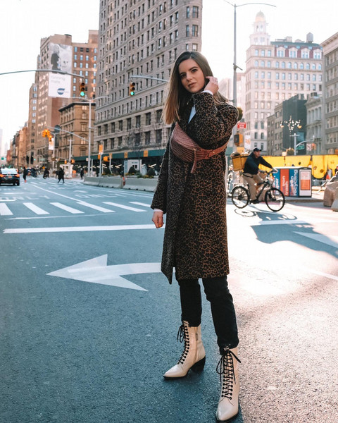 take aim blogger sweater jeans shoes bag winter outfits belted bag belt bag animal print coat leather ankle boots chloe leather boots ankle boots lace up boots black skinny jeans leopard print coat white sweater