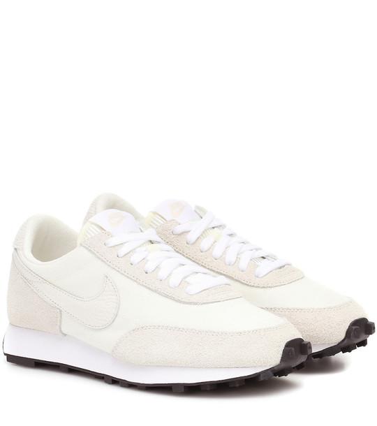 Nike Daybreak suede sneakers in beige