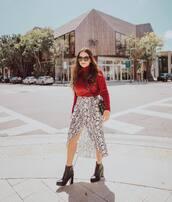 skirt,wrap skirt,snake print,midi skirt,ankle boots,heel boots,turtleneck sweater,black bag
