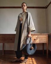 jewels,bag,coat,shoes,pants