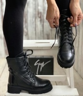 shoes,black boots,winter boots