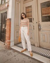 top,striped t-shirt,high waisted jeans,straight jeans,white jeans,pumps,handbag,tote bag