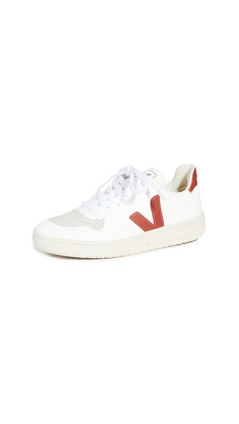 Veja V-10 Vegan Sneakers in white