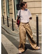 pants,wide-leg pants,white t-shirt,sneakers,shoulder bag