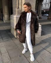 coat,faux fur coat,brown coat,white sneakers,tracksuit