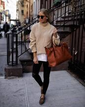 sweater,wool sweater,beige sweater,leopard print,ballet flats,black skinny jeans,black ripped jeans,white shirt,brown bag