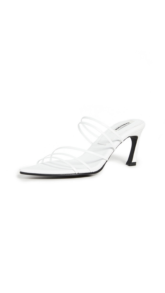 Reike Nen Five Strings Pointed Sandals in white