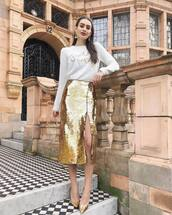 sweater,white sweater,christmas sweater,sequin skirt,midi skirt,gold skirt,gold shoes,pumps