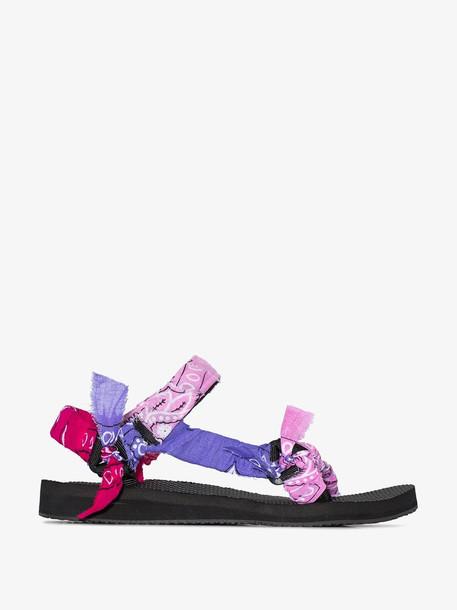 Arizona Love bandana knotted flat sandals in pink
