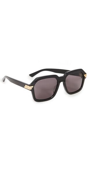Bottega Veneta Bold Ribbon Oversized Square Sunglasses in black / grey