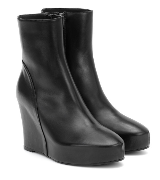 Ann Demeulemeester Leather ankle boots in black