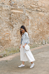 with or without shoes,blogger,dress,jacket,jewels,sunglasses,shoes,bag,converse,denim jacket,round bag