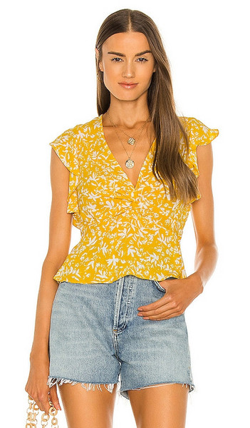 BCBGMAXAZRIA Flutter Sleeve Blouse in Yellow in gold