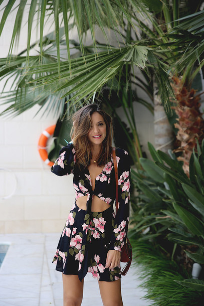 lady addict blogger romper long sleeve romper floral romper cut-out crop tops tie-front top black romper summer outfits