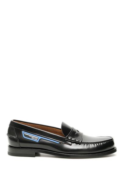 Prada Logo Loafers in nero