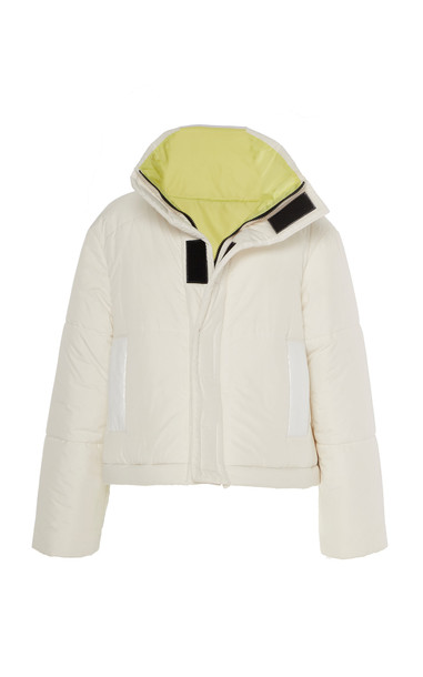 CAALO Reversible Cropped Down Coat in white