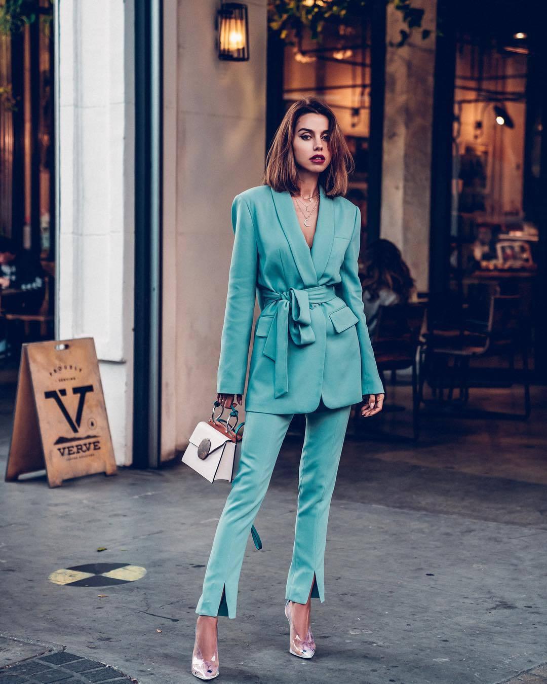 pants pleated slit pants blue pants blazer pumps handbag white bag necklace