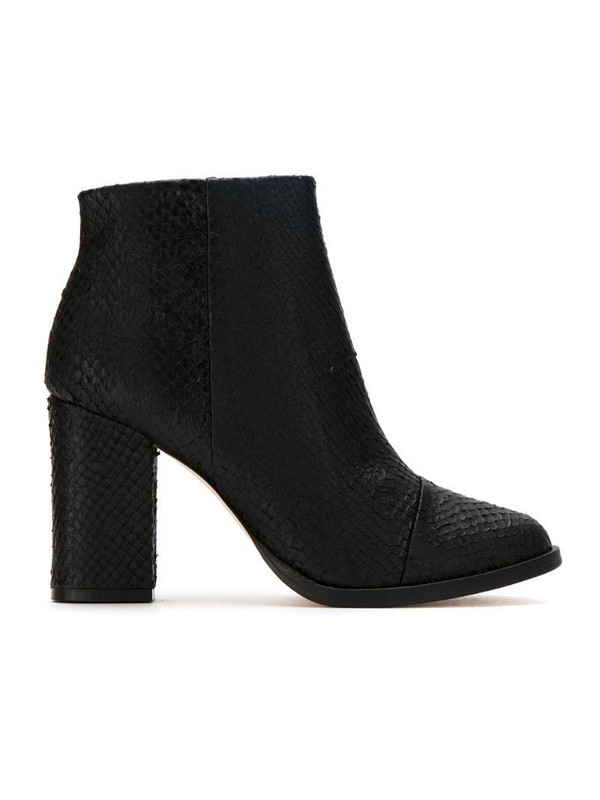 Osklen leather textured ankle boots in black