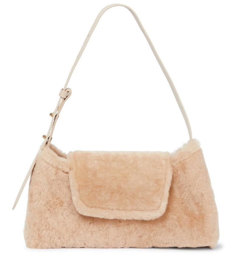 Elleme Envelope shearling shoulder bag in beige