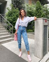 top,white shirt,high waisted jeans,sneakers,bag