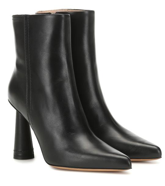 Jacquemus Les Bottes Toula leather ankle boots in black