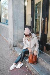 tovogueorbust,blogger,shoes,scarf,t-shirt