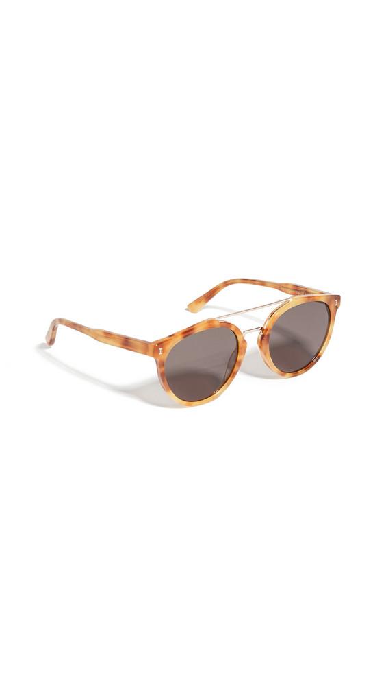 Illesteva Puglia Sunglasses in gold / grey / rose