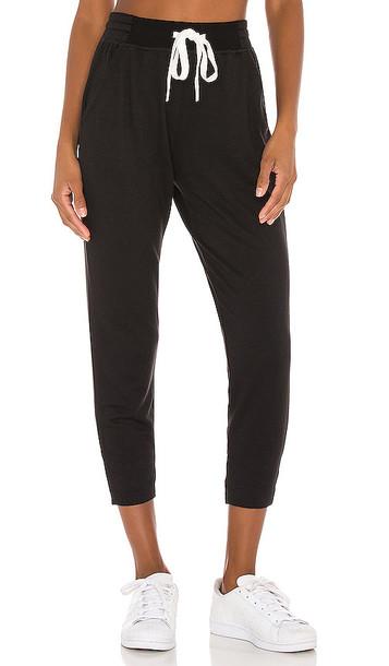 Splits59 Reena 7/8 Fleece Sweatpant in Black