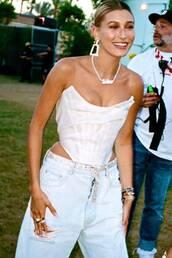 jeans,denim,celebrity,hailey baldwin,model off-duty,bustier