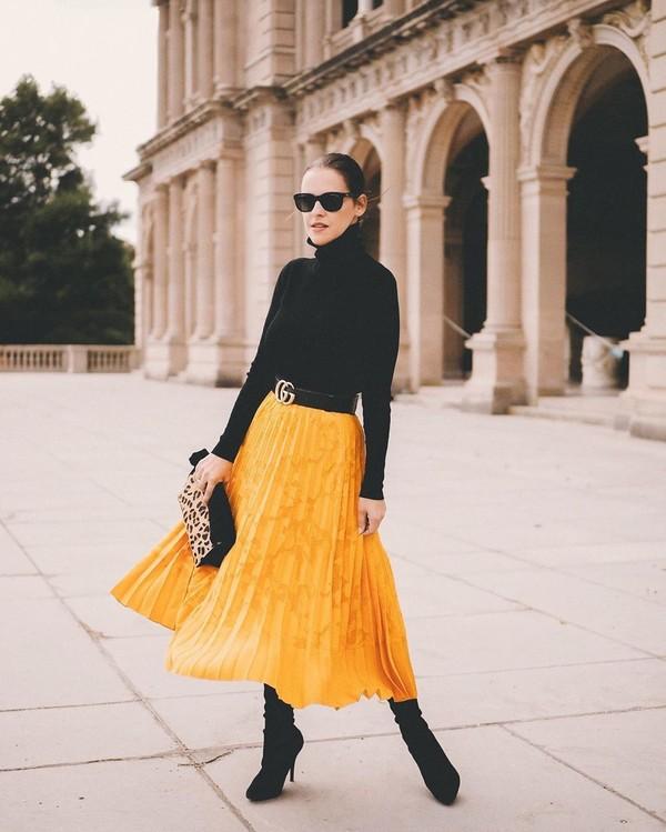 skirt pleated skirt yellow skirt black boots black turtleneck top gucci belt