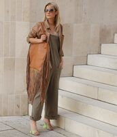 bag,brown bag,fringes,sandals,jumpsuit,leather jacket