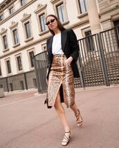 skirt,midi skirt,snake print,slit skirt,high waisted skirt,black sandals,black blazer,white t-shirt,bag