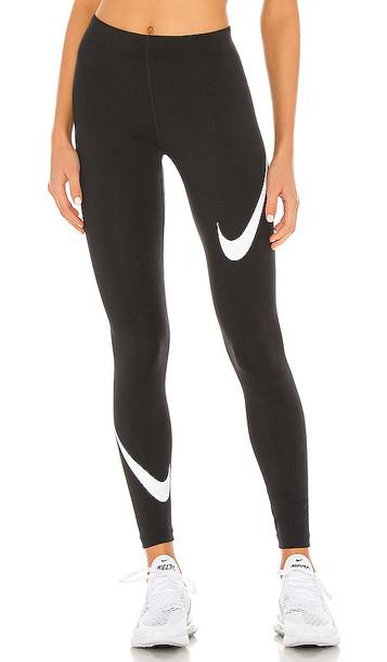 Nike NSW Legasee Swoosh Legging in Black