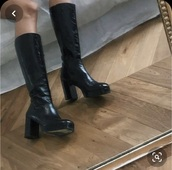 shoes,knee boots,boots,black,leather,vegan leather,90s style,vintage