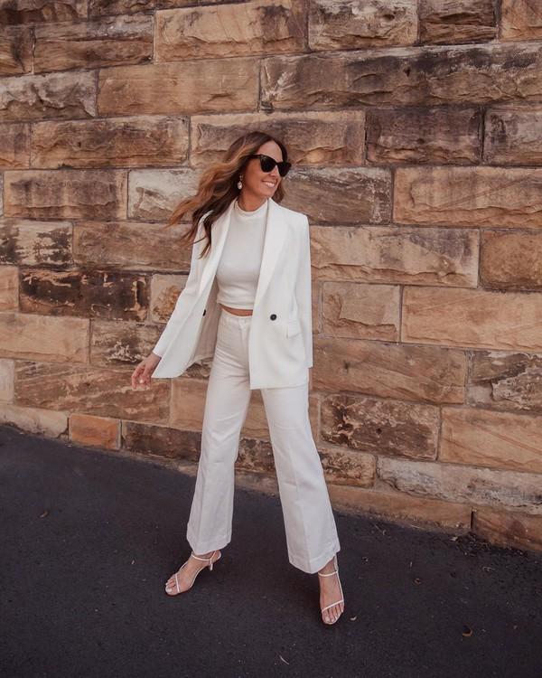 jacket white blazer zara high waisted pants white pants flare pants white sandals white top