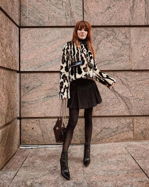 jacket faux fur jacket leopard print brown boots heel boots brown bag tights mini skirt
