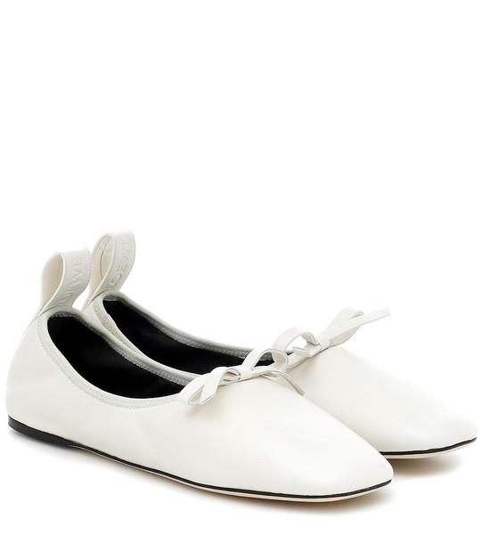 Loewe Ballerina leather flats in white