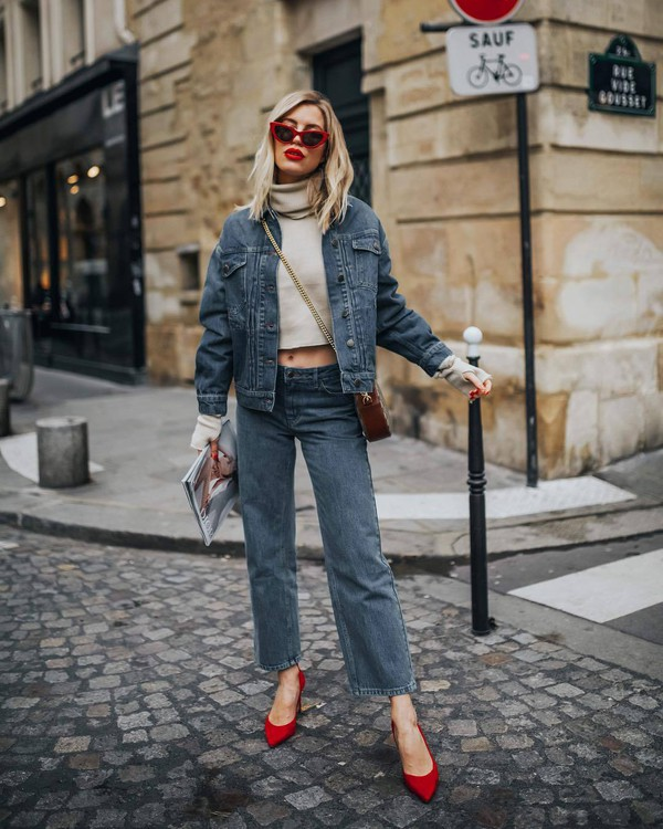 jeans boyfriend jeans denim jacket pumps brown bag crossbody bag turtleneck sweater cropped turtleneck white sweater sunglasses