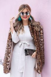 suburban faux-pas,blogger,sunglasses,jewels,coat,dress,bag,shoes,faux fur coat