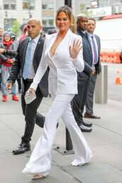 shoes,suit,all white everything,celebrity,white blazer,blazer,pants,flare pants,pumps