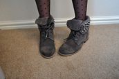 studs,studded,spikes,black,boots,tie up,folded,grey,edgy,flat,flats,suede,lace,lace up,shoes