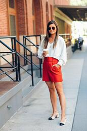 to be bright,blogger,shorts,sweater,shoes,jewels,red shorts,slingbacks,spring outfits
