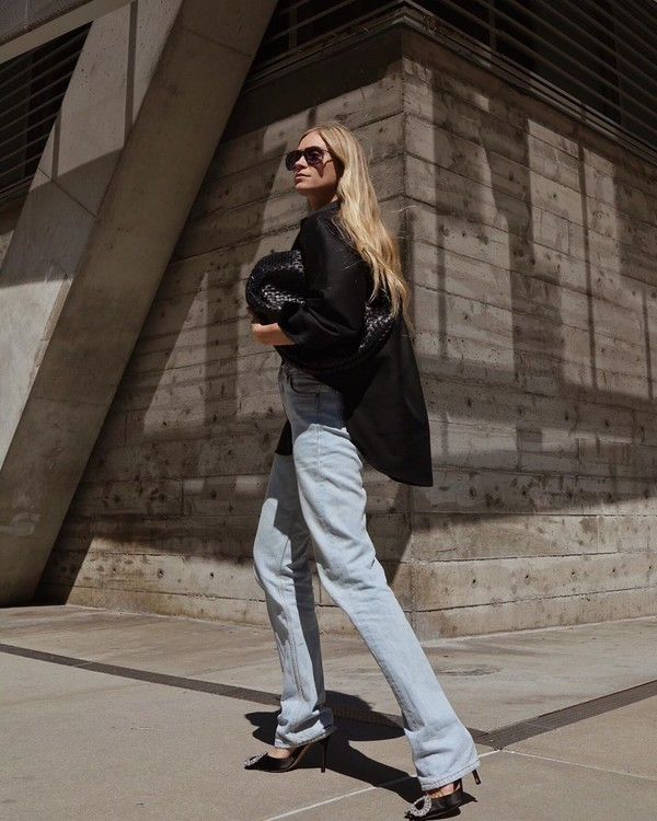 shoes slingbacks straight jeans black blazer black bag