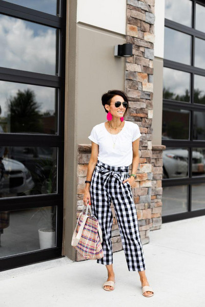 one little momma blogger t-shirt pants jewels shoes bag gingham sandals summer outfits